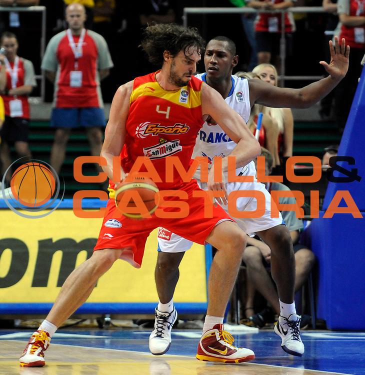 DESCRIZIONE : Katowice Poland Polonia Eurobasket Men 2009 Quarter Final Francia France Spagna Spain<br /> GIOCATORE : Pau Gasol<br /> SQUADRA : Spagna Spain<br /> EVENTO : Eurobasket Men 2009<br /> GARA : Francia France Spagna Spain<br /> DATA : 17/09/2009 <br /> CATEGORIA :<br /> SPORT : Pallacanestro <br /> AUTORE : Agenzia Ciamillo-Castoria/N.Parausic<br /> Galleria : Eurobasket Men 2009 <br /> Fotonotizia : Katowice  Poland Polonia Eurobasket Men 2009 Quarter Final Francia France Spagna Spain<br /> Predefinita :