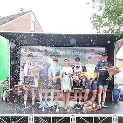 12-05-2018: Wielrennen: Ronde van Overijssel: Rijssen<br />podium met alle neven klassementen