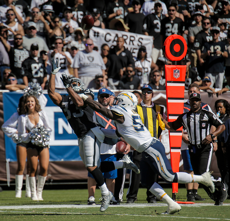 Oct 09 2016 - Oakland U.S. CA - Raiders running back DeAndre Washington #33  game stats 9 carries for 23 yards  during the NFL Football game between San Diego Chargers and the Oakland Raiders 34-31 win at O.co Coliseum Stadium Oakland Calif. Thurman James