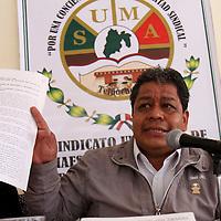 TOLUCA, México.- Luis Zamora Calzada, secretario general del Sindicato Unificado de Maestros y Académicos del Estado de México afirmó que el Tribunal Estatal de Conciliación y Arbitraje debe reconocer su personalidad jurídica del SUMAEM. Agencia MVT / Crisanta Espinosa. (DIGITAL)
