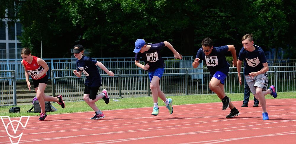 Metro Blind Sport's 2017 Athletics Open held at Mile End Stadium.  100m.  From left, Katie Crowhurst, Chelsea Hudson, Tom Lancaster, Ryley Hector and Bradley Stannett<br /> <br /> Picture: Chris Vaughan Photography for Metro Blind Sport<br /> Date: June 17, 2017