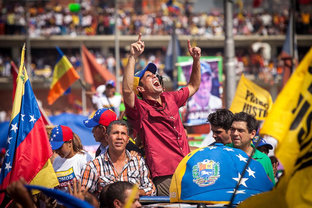 El candidato opositor, Henrique Capriles Radonski grita durante la llamada marcha Heroica realizada en Caracas, Venezuela. 7 Abril 2013. (Foto/ivan gonzalez)