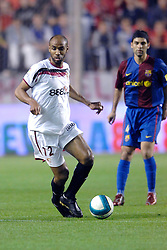 03-03-2007 VOETBAL: SEVILLA FC - BARCELONA: SEVILLA  <br /> Sevilla wint de topper met Barcelona met 2-1 / Frederic Kanoute<br /> ©2006-WWW.FOTOHOOGENDOORN.NL