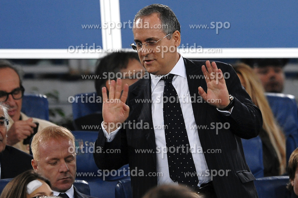 16.10.2011, Olympia Stadion, Rom, ITA, Serie A, Lazio Rom vs AS Rom, im Bild Claudio LOTITO Presidente LAzio // during Serie A football match between Lazio Rome and AS Rome at Olympic Stadium, Rome, Italy on 16/10/2011. EXPA Pictures © 2011, PhotoCredit: EXPA/ InsideFoto/ Andrea Staccioli +++++ ATTENTION - FOR AUSTRIA/(AUT), SLOVENIA/(SLO), SERBIA/(SRB), CROATIA/(CRO), SWISS/(SUI) and SWEDEN/(SWE) CLIENT ONLY +++++