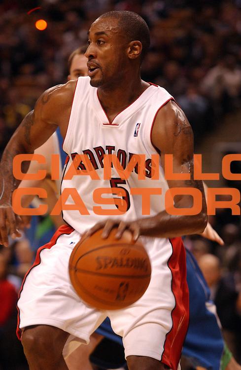 DESCRIZIONE : Toronto Amichevole Precampionato NBA 2008-2009 Toronto Raptors Minnesota Timberwolves<br /> GIOCATORE : Will Solomon<br /> SQUADRA : Toronto Raptors Minnesota Timberwolves<br /> EVENTO : Campionato NBA 2007-2008 <br /> GARA : Toronto Raptors Minnesota Timberwolves<br /> DATA : 16/10/2008 <br /> CATEGORIA : palleggio<br /> SPORT : Pallacanestro <br /> AUTORE : Agenzia Ciamillo-Castoria/V.Keslassy<br /> Galleria : NBA 2008-2009<br /> Fotonotizia : Toronto Amichevole Precampionato NBA 2008-2009 Toronto Raptors Minnesota Timberwolves<br /> Predefinita :