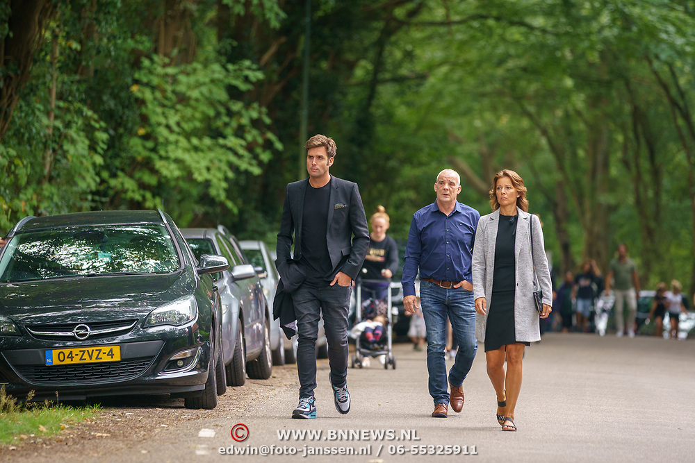 NLD/Huizen/20180818 - uitvaart Bert Verwelius, Nick Schilder