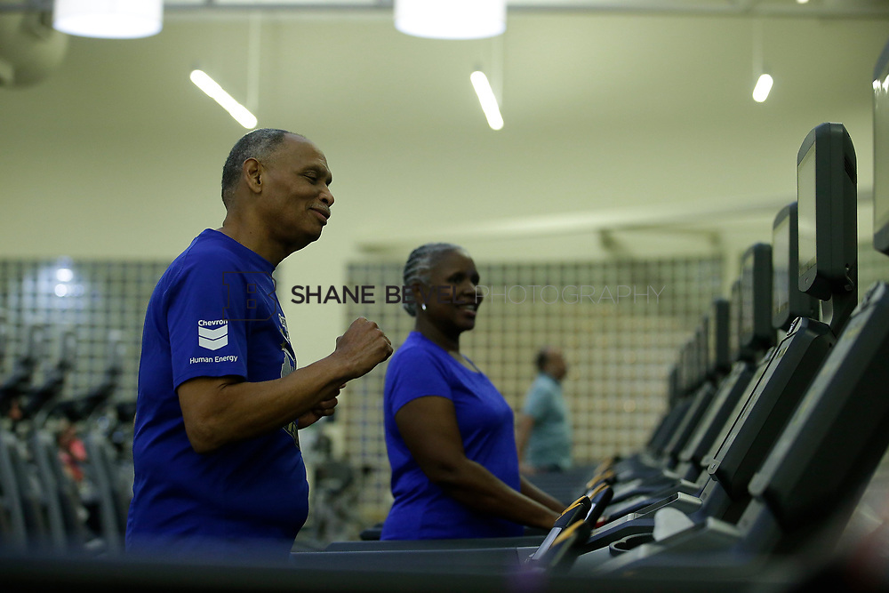 11/8/17 7:37:48 PM --  Charles and Shonda at Healthzone at SFHS. <br /> <br /> Photo by Shane Bevel