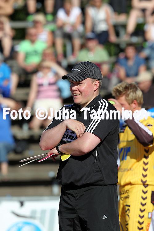 5.6.2011, Pihkala, Hyvink??..Superpesis 2011, Hyvink??n Tahko - Nurmon Jymy..Pelinjohtaja Antti Piuhola - Nurmo.
