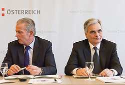 23.03.2015, Steigenberger Hotel, Krems, AUT, Bundesregierung, Tour de Table während Regierungsklausur, im Bild v.l.n.r. Vizekanzler und Minister für Wirtschaft und Wissenschaft Reinhold Mitterlehner (ÖVP) und Bundeskanzler Werner Faymann (SPÖ) // f.l.t.r. Vice Chancellor of Austria and Minister of Science and Economy Reinhold Mitterlehner (OeVP) and Federal Chancellor of Austria Werner Faymann (SPOe) during convention of the austrian government at Steigenberger hotel in Krems, Austria on 2015/03/23, EXPA Pictures © 2015, PhotoCredit: EXPA/ Michael Gruber