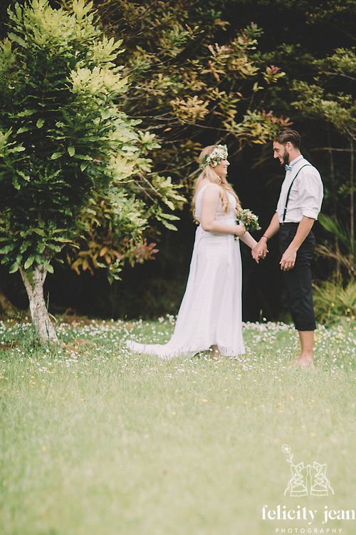 wedding photography creations in my beautiful kuaotunu garden boohoo vintage quicky crazy themed wedding photos on the coromandel peninsula