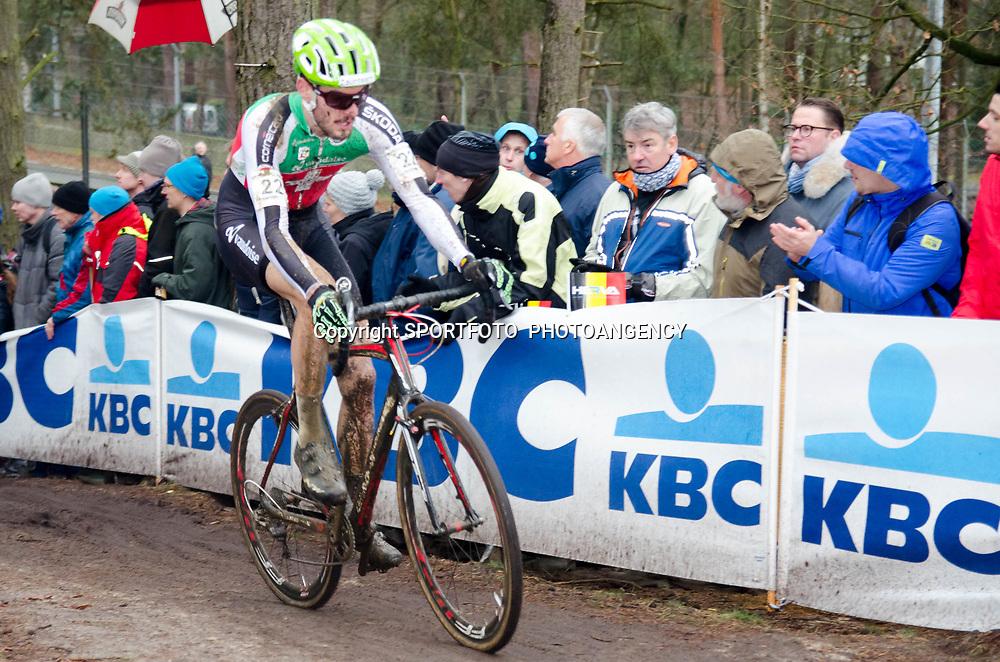 31-01-2016: Wielrennen: WK cyclecross elite: Heusden ZolderHEUSDEN-ZOLDER (BEL) cyclocrossOp het circuit van Terlamen-Zolder streden de elite veldrijders om de mondiale titels in het veld. <br /> Lukas Winterberg