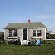 An old property near Madaket Beach, Nantucket, Nantucket Island, Massachusetts, USA. Photo Tim Clayton