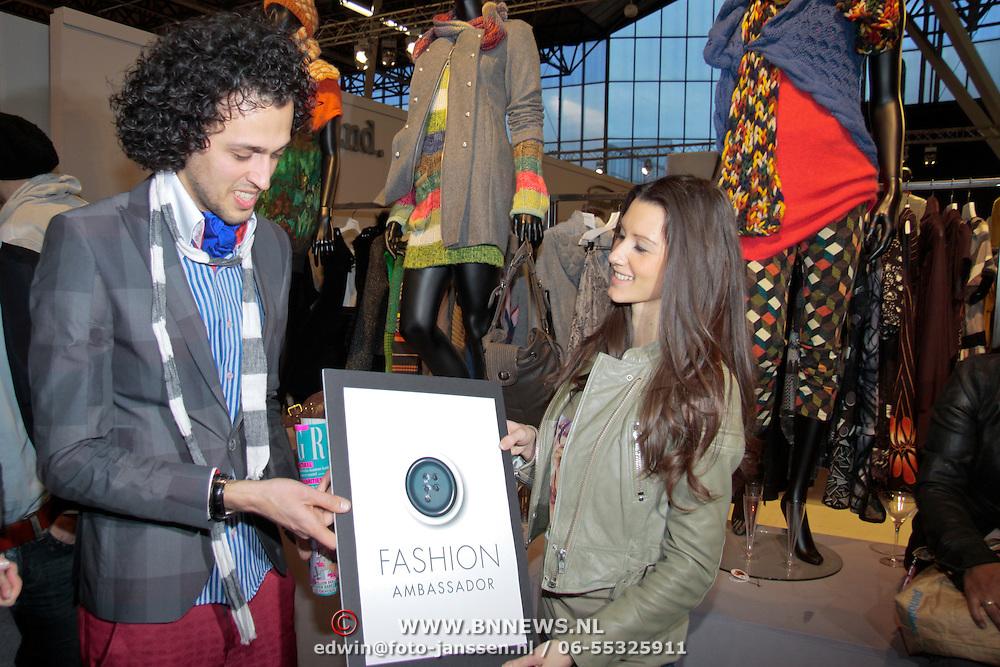NLD/Amsterdam/20110124 - Josh V VIP Launch Modefabriek RAI, Danielle van Aalderen reikt de Fashion Ambassador Award uit aan Sepehr Maghsoudi