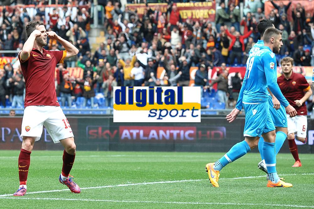 Esultanza polemica dopo il gol di Miralem Pjanic Goal celebration <br /> Roma 04-04-2015 Stadio Olimpico, Football Calcio Serie A AS Roma - Napoli Foto Andrea Staccioli / Insidefoto