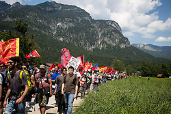 06.06.2015, Garmisch Partenkirchen, GER, G7 Gipfeltreffen auf Schloss Elmau, Circa 5000 Menschen demonstrieren in Garmisch-Patenkirchen gegen den G7-Gipfel im benachbarten Elmau, im Bild Die Demo am Anfang // uring Protest of the G7 opponents prior to the scheduled G7 summit which will be held from 7th to 8th June 2015 in Schloss Elmau near Garmisch Partenkirchen, Germany on 2015/06/06. EXPA Pictures © 2015, PhotoCredit: EXPA/ Eibner-Pressefoto/ Gehrling<br /> <br /> *****ATTENTION - OUT of GER*****