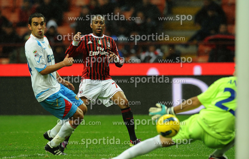 06.11.2011, Giuseppe Meazza Stadion, Mailand, ITA, Serie A, AC Mailand vs Catania Calcio, im Bild  ill gol di robinho (Milan) goal celebration // during the Serie A match between AC Mailand vs Catania Calcio at Giuseppe Meazza Stadium, Milano, Italy on 06/11/2011. EXPA Pictures © 2011, PhotoCredit: EXPA/ InsideFoto/ Alessandro Sabattini +++++ ATTENTION - FOR AUSTRIA/(AUT), SLOVENIA/(SLO), SERBIA/(SRB), CROATIA/(CRO), SWISS/(SUI) and SWEDEN/(SWE) CLIENT ONLY +++++