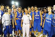 DESCRIZIONE : Taranto Basket On Board sulla portaerei Cavour  Nazionale Italia Under 18 Maschile Svezia <br /> GIOCATORE : team ammiraglio<br /> CATEGORIA : fair play curiosita ritratto<br /> SQUADRA : Nazionale Italia Under 18<br /> EVENTO :  Basket On Board sulla portaerei Cavour<br /> GARA : Nazionale Italia Under 18 Maschile Svezia <br /> DATA : 12/07/2012 <br />  SPORT : Pallacanestro<br />  AUTORE : Agenzia Ciamillo-Castoria/GiulioCiamillo<br />  Galleria : FIP Nazionali 2012<br />  Fotonotizia : Taranto Basket On Board sulla portaerei Cavour  Nazionale Italia Under 18 Maschile Svezia <br />  Predefinita :