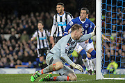 Rob Elliot (Newcastle United) left stranded as Everton hit the bar during the Barclays Premier League match between Everton and Newcastle United at Goodison Park, Liverpool, England on 3 February 2016. Photo by Mark P Doherty.