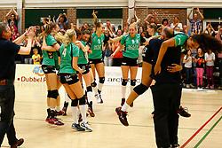 20140405 NED: VV Alterno - Sliedrecht Sport, Apeldoorn<br /> VV Alterno wint met 3-2 en viert feest<br /> ©2014-FotoHoogendoorn.nl / Pim Waslander
