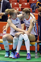 21-05-2016 JAP: OKT Nederland - Peru, Tokio<br /> De Nederlandse volleybalsters winnen met 3-0 en plaatsen zich als eerste voor Rio / Maret Balkestein-Grothues #6, Anne Buijs #11