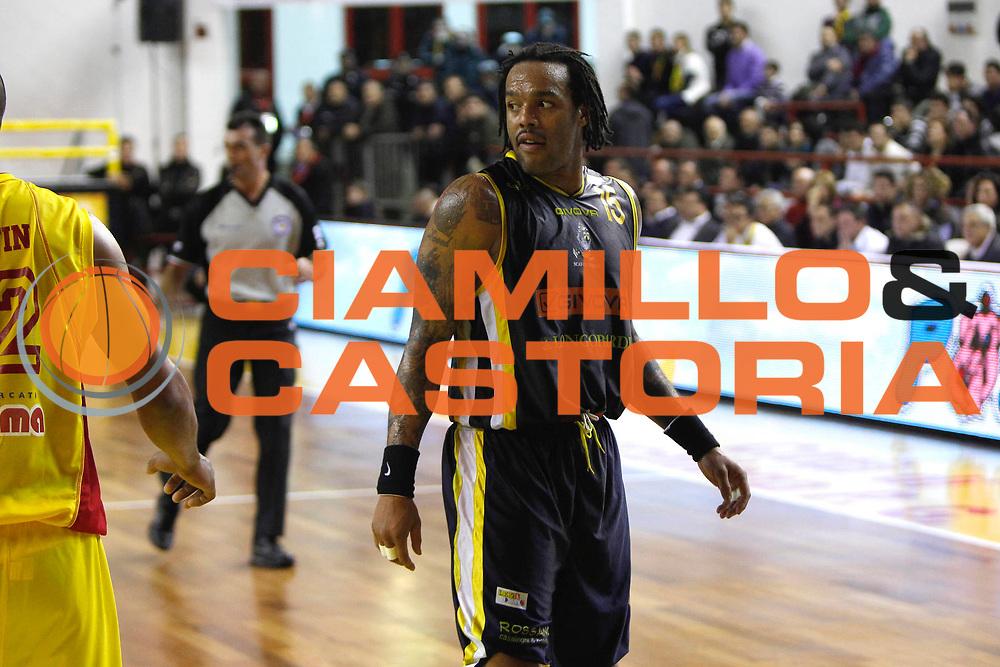 DESCRIZIONE : Barcellona Pozzo di Gotto Campionato Lega Basket A2 2011-12 Sigma Barcellona Givova Scafati<br /> GIOCATORE : James Thomas<br /> SQUADRA : Givova Scafati<br /> EVENTO : Campionato Lega Basket A2 2011-2012<br /> GARA : Sigma Barcellona Givova Scafati<br /> DATA : 22/01/2012<br /> CATEGORIA : Ritratto <br /> SPORT : Pallacanestro <br /> AUTORE : Agenzia Ciamillo-Castoria/G.Pappalardo<br /> Galleria : Lega Basket A2 2011-2012 <br /> Fotonotizia : Barcellona Pozzo di Gotto Campionato Lega Basket A2 2011-12 Sigma Barcellona Givova Scafati<br /> Predefinita :