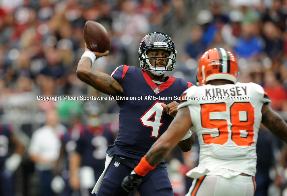 HOUSTON, TX - OCTOBER 15: Houston Texans QB DeShaun Watson (4) passes during the NFL game between the Houston Texans and the Cleveland Browns on October 15, 2017 at NRG Stadium in Houston, TX. (Photo by John Rivera/Icon Sportswire)