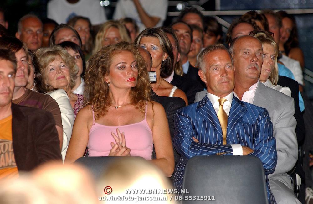 NLD/Amsterdam/20050908 - Finale Elite Modellook 2005, Patty Wakker en Joan Thierry