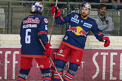 02.04.2019, Albert Schultz Halle, Wien, AUT, EBEL, Vienna Capitals vs EC Red Bull Salzburg, Halbfinale, 3. Spiel, im Bild Torjubel nach dem 1:1 durch Christopher Van De Velde (EC Red Bull Salzburg) // during the Erste Bank Icehockey 3rd semifinal match between Vienna Capitals and EC Red Bull Salzburg at the Albert Schultz Halle in Wien, Austria on 2019/04/02. EXPA Pictures © 2019, PhotoCredit: EXPA/ Alexander Forst