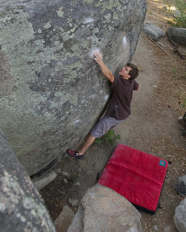Gp Salvo climbing Hardest Crimps at Groom Creek (V8)