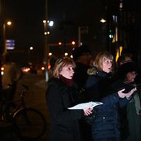 Nederland, Amsterdam; 30 januari 2014.<br /> De Nederlandse Opera presenteert een BOOM! One minute Opera en er is een bijzondere verhaal over de iep en een minuut waarin iedereen z'n duurzame nieuwjaarswens voor het stadsdeel uitspreekt. . Daarna is het woord aan de inwoners van Amsterdam West. In 1 minuut kunnen zij een duurzame wens voor het stadsdeel uitspreken terwijl het Amsterdams Opera Koor gelijktijdig indringende liederen zingt. Foto:Jean-Pierre Jans