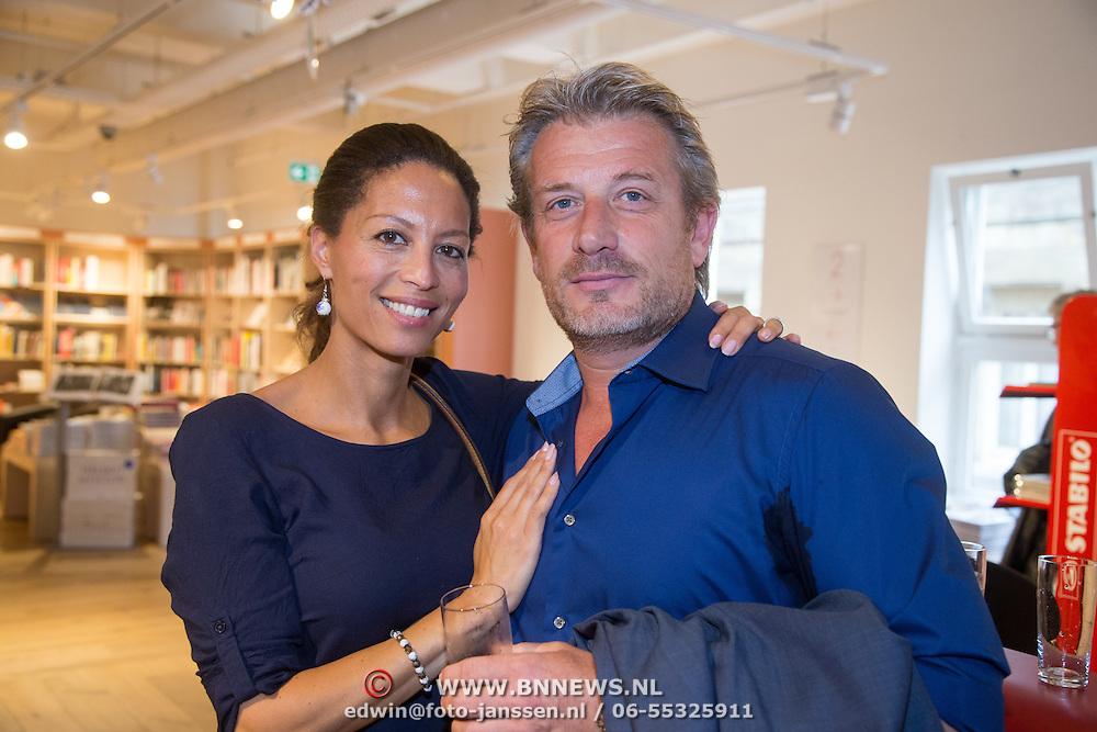 Family photo of the tv-personality, dating Danny de Vries, famous for Recht van Nederland & Hart van Nederland.