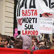 Primo Maggio 2018, manifestazione a Torino dedicata alla sicurezza contro le morti sul lavoro.