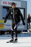 DE &nbsp;HOLLANDSE&nbsp;100 &nbsp;by &nbsp;LYMPH &nbsp;&amp; &nbsp;CO op FlevOnice te Biddinghuizen. Een duatlon bestaande uit twee onderdelen: schaatsen en fietsen. Het evenement wordt georganiseerd om geld op te halen voor Lymph&amp;Co dat zich inzet tegen lymfklierkanker.<br /> <br /> Op de foto:  Humberto Tan