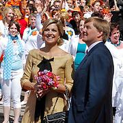 NLD/Veenendaal/20120430 - Koninginnedag 2012 Veenendaal, Maxima en partner Willem-Alexander