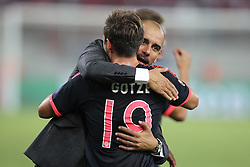 16.09.2015, Karaiskakis Stadium, Piräus, GRE, UEFA CL, Olympiakos Piräus vs FC Bayern München, Gruppe F, im Bild Schlussjubel Chef-Trainer Pep Guardiola (FC Bayern Muenchen) umarmt Mario Goetze #19 (FC Bayern Muenchen) // during UEFA Champions League group F match between Olympiacos F.C. and FC Bayern Munich at the Karaiskakis Stadium in Piräus, Greece on 2015/09/16. EXPA Pictures © 2015, PhotoCredit: EXPA/ Eibner-Pressefoto/ Kolbert<br /> <br /> *****ATTENTION - OUT of GER*****