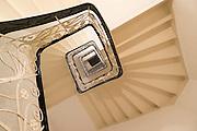 Treppenhaus im ehemaligen Hotel Bellevue, Wiesbaden, Hessen, Deutschland | staircase in former Hotel Bellevue, Wilhelm Street, Wiesbaden, Hesse, Germany