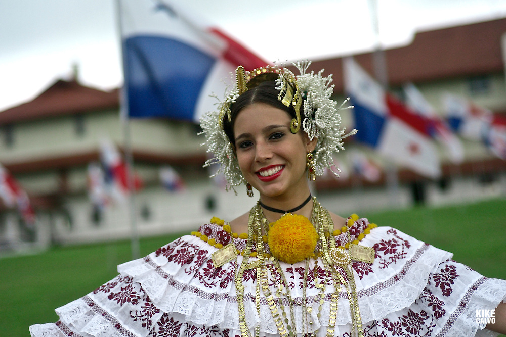 Model released photograph of a Panamanian woman in her twenties dressed up with the traditional Pollera.