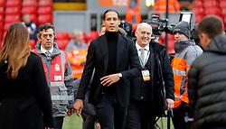 30.12.2017, Anfield Road, Liverpool, ENG, Premier League, FC Liverpool vs Leicester City, 21. Runde, im Bild Virgil van Dijk (c) of Liverpool, // Virgil van Dijk (c) of Liverpool, during the English Premier League 21th round match between FC Liverpool and Leicester City at the Anfield Road in Liverpool, Great Britain on 2017/12/30. EXPA Pictures &copy; 2017, PhotoCredit: EXPA/ Focus Images/ Simon Moore<br /> <br /> *****ATTENTION - for AUT, GER, FRA, ITA, SUI, POL, CRO, SLO only*****
