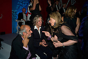 ALAN YENTOB; SIR BOB GELDOF; SUSAN GUTFREUND, Nicky Haslam party for Janet de Bottona nd to celebrate 25 years of his Design Company.  Parkstead House. Roehampton. London. 16 October 2008.  *** Local Caption *** -DO NOT ARCHIVE-© Copyright Photograph by Dafydd Jones. 248 Clapham Rd. London SW9 0PZ. Tel 0207 820 0771. www.dafjones.com.