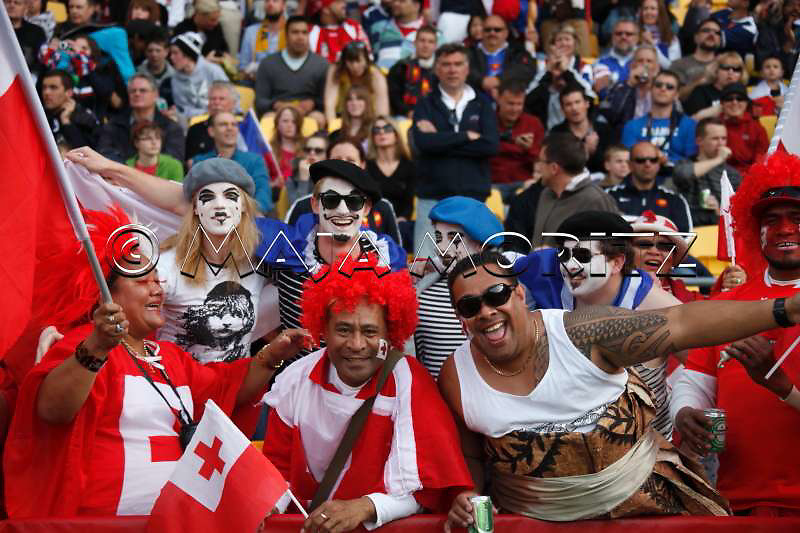 Tongan and French fan