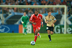 MARSEILLE, FRANCE - Tuesday, September 16, 2008: Liverpool's Ryan Babel in action against Olympique de Marseille during the opening UEFA Champions League Group D match at the Stade Velodrome. (Photo by David Rawcliffe/Propaganda)