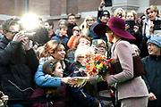 Koningin Maxima opent het vernieuwde Musis in Arnhem. De historische Muzenzaal is geheel gerenoveerd. Musis is daarmee een multifunctioneel huis voor muziek van Arnhem en de regio.<br /> <br /> Queen Maxima opens the renovated Musis in Arnhem. The historic Muzenzaal has been completely renovated. Musis is thus a multifunctional home for music from Arnhem and the region.