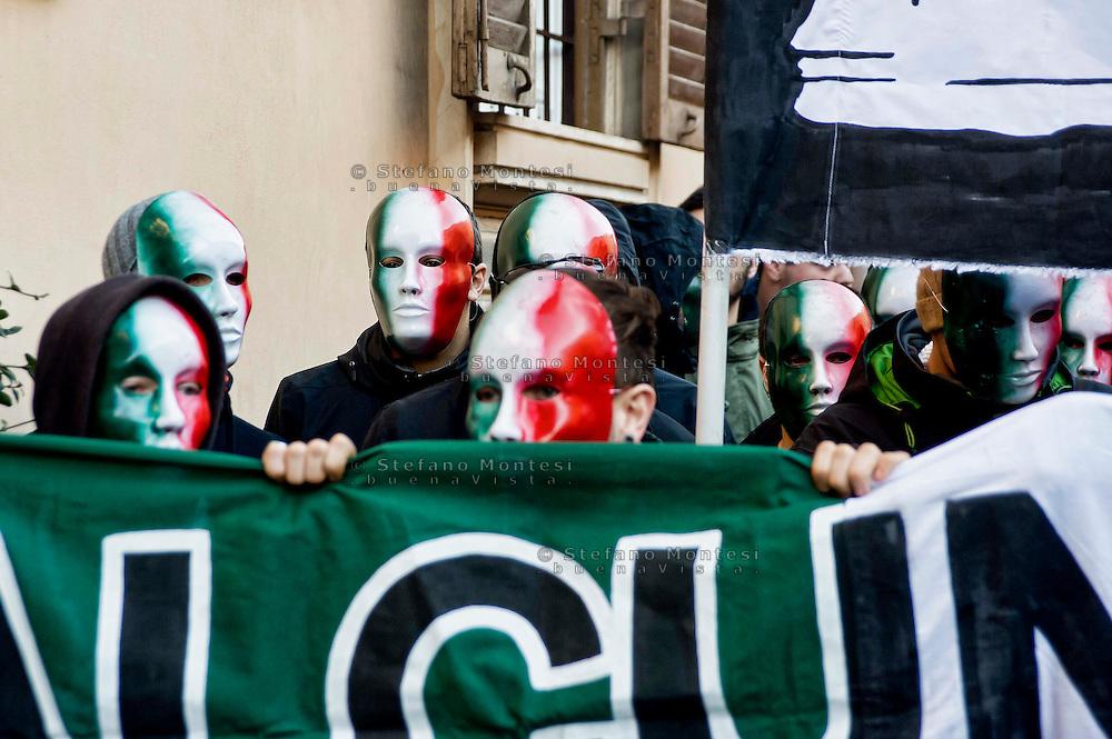 """Roma 18 Dicembre 2013<br /> Manifestazione del Movimento dei forconi  a piazza del Popolo a Roma, contro i politici contro euro e questo modello di Europa. Casapound manifesta con il movimento dei  forconi<br /> Rome, Italy. 18th December 2013 -- Pitchfork Movement,  demonstration  at Piazza del Popolo in Rome. -- Demonstration of the Movement Pitchforks for the resignation of politicians. -- The so-called """"Pitchfork Movement"""" which inspired the protest was originally a group of Sicilian farmers pushing for more help from the government, but it has grown into."""