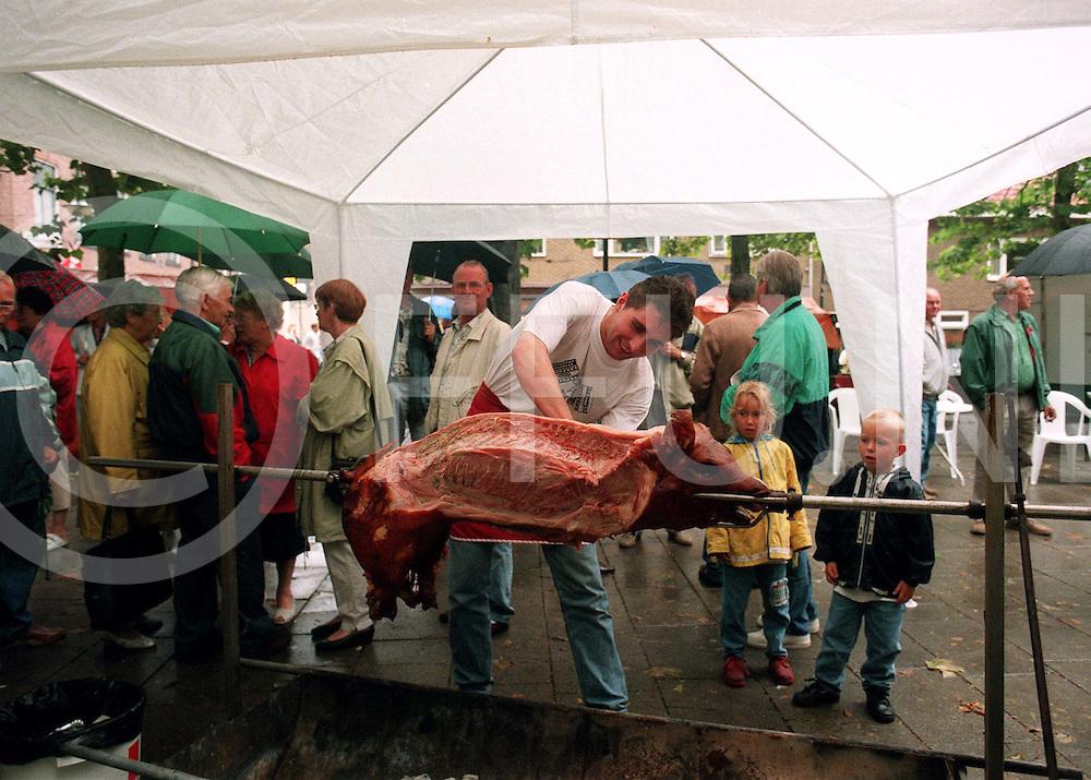 071797 hardenberg ned..varken aan het spit...fotografie frank uijlenbroek©/frank uijlenbroek