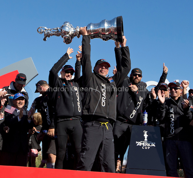 America's Cup 34<br /> Emirates Team New Zealand (NZL) challenger vs Oracle Racing (USA) defender<br /> 9.25.13. Final race of the America's Cup<br /> Oracle wins the America's Cup