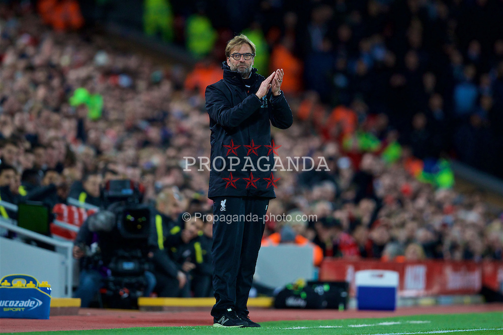 LIVERPOOL, ENGLAND - Saturday, December 31, 2016: Liverpool's manager Jürgen Klopp during the FA Premier League match against Manchester City at Anfield. (Pic by David Rawcliffe/Propaganda)