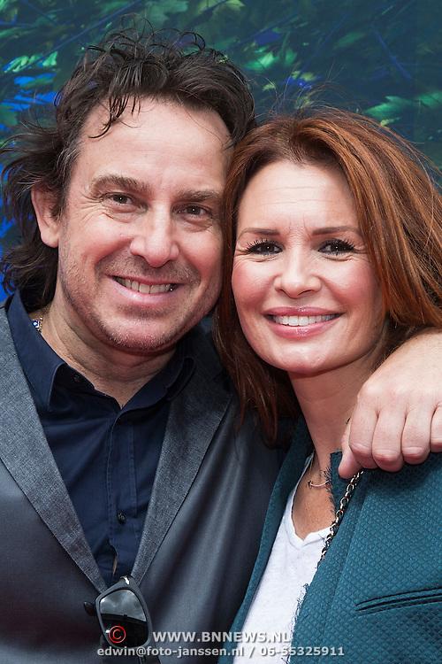 NLD/Amsterdam/20140413 - Inloop Filmpremiere Het Magische Huis, Marco Borsato met partner Leontien