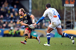 Andy Goode of Wasps looks to pass the ball - Photo mandatory by-line: Patrick Khachfe/JMP - Mobile: 07966 386802 14/12/2014 - SPORT - RUGBY UNION - High Wycombe - Adams Park - Wasps v Castres Olympique - European Rugby Champions Cup