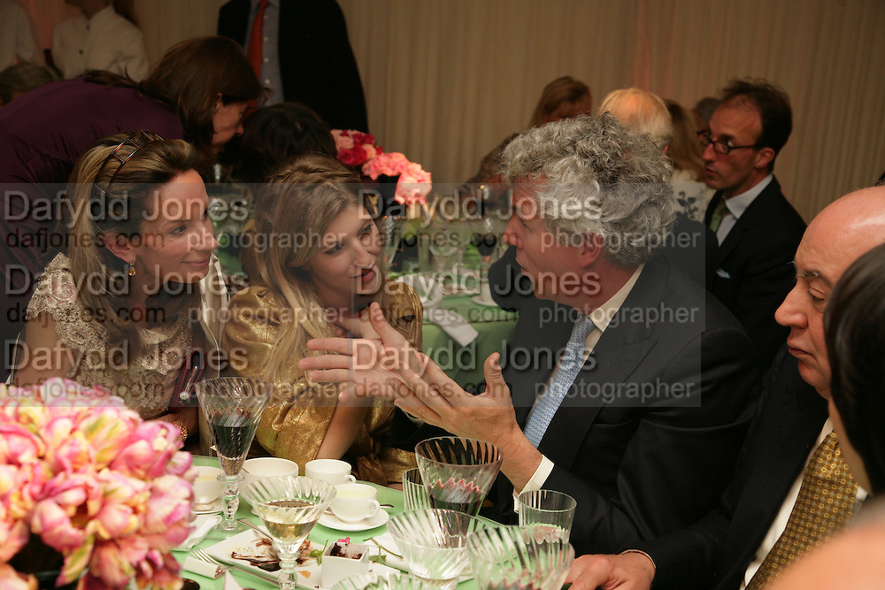 ANNE SUMMERS, TARA SUMMERS AND HENRY WYNDHAM, Cartier Chelsea Flower Show dinner hosted by Arnaud Bamberger. Chelsea Physic Garden. London. 21 May 2007.  -DO NOT ARCHIVE-© Copyright Photograph by Dafydd Jones. 248 Clapham Rd. London SW9 0PZ. Tel 0207 820 0771. www.dafjones.com.