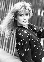 Valerie Roe pictured for the Sunday Independent, circa August 1989 (Part of the Independent Newspapers Ireland/NLI Collection).